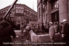11-30_1991gadaBarikades