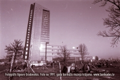 13-30_1991gadaBarikades